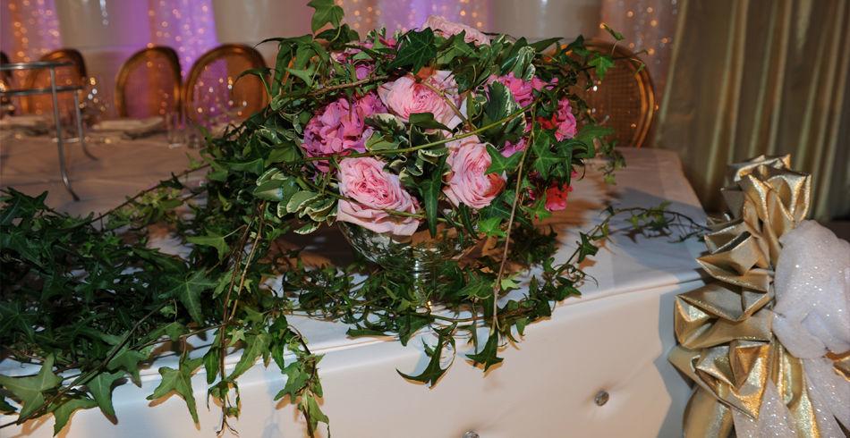 Beispiel: Hochzeitsfloristik, Foto: Evoy Dekor.
