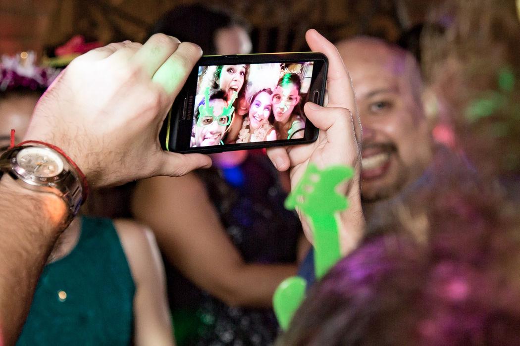 Selfie 2 - Fiesta