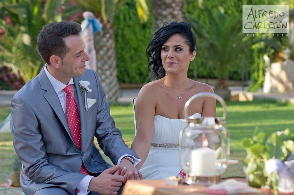 Raquel & Joaquín, Madrid. Se desplazaron casi 500 Km para celebrar su boda, y fue todo un éxito, en en entorno privilegiado de la Cala Montíboli, tuvimos el mar como acompañante en todo momento.