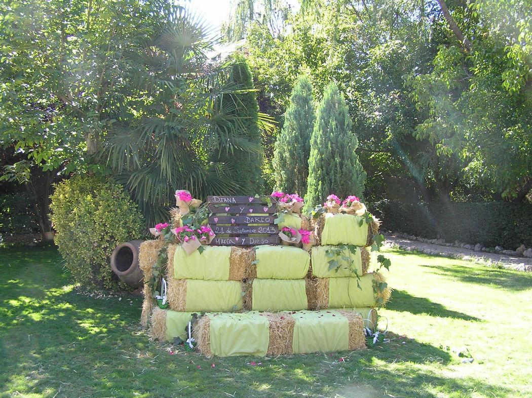 Photocall en el Jardín detrás de la Carpa