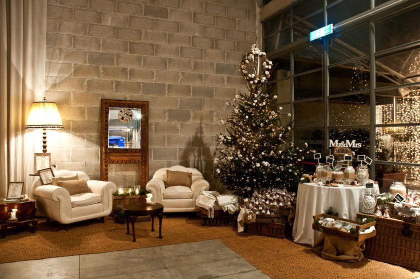 Flower Lab - Allestimento di Natale con oggetti di recupero - www.flowerlab.it