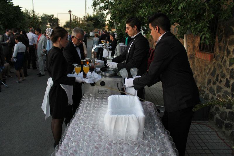 Enfriamos las copas de las bebidas antes de servirlas