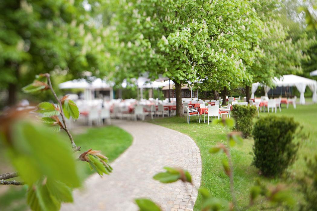 Beispiel: Hochzeit im Grünen, Foto: Parkhotel Schmid.