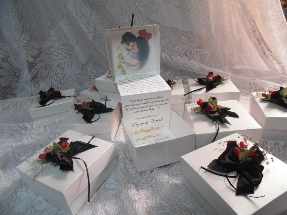 Invitación de bodas en cajita