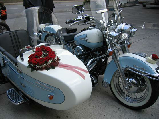 Beispiel: Fahrzeugschmuck, Foto: Meike Treiber Blumen und Dekoration.