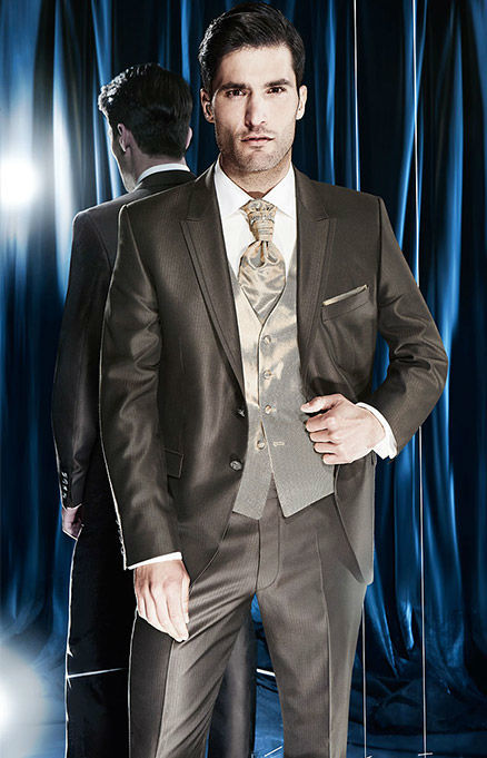 Beispiel: Hohe Qualität der Anzüge, Foto: Hochzeitssalon Jereb.