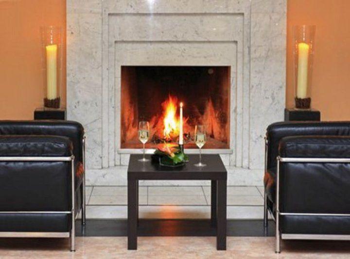 Beispiel: Kamin Lobby, Foto: Hotel Rolandsburg.