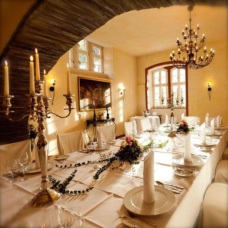 Beispiel: Tischdekoration, Foto: Weinromantikhotel Richtershof.