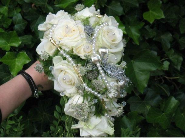 Beispiel: Hochzeitsfloristik, Foto: Blatt+Form.