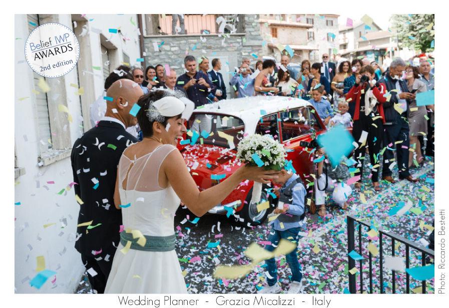 Pioggia di coriandoli per un matrimonio vintage