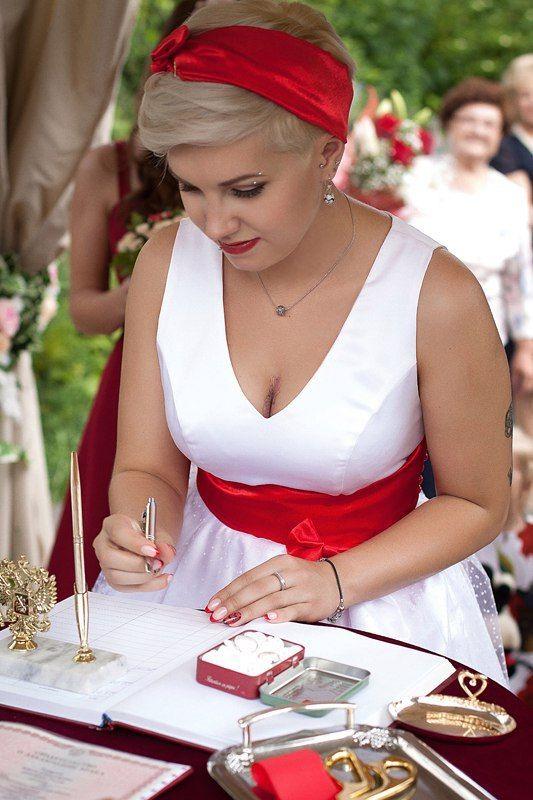 утро невесты Катюши укладка и макияж - Нелли Шварц платье - Наталья Крылова фотограф - Карина Савина