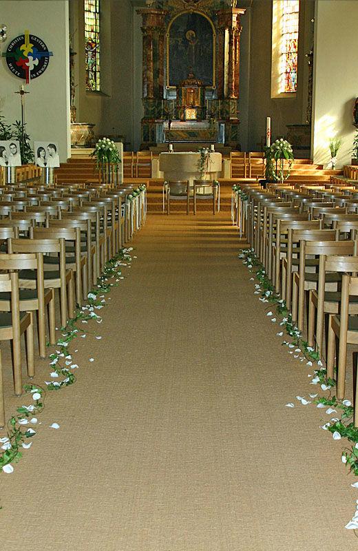 Beispiel: Florale Kirchendekoration, Foto: myflower.