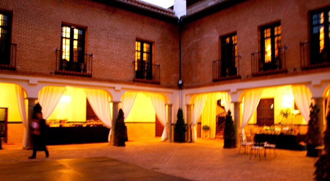 Patio  Palacio de Aldovea