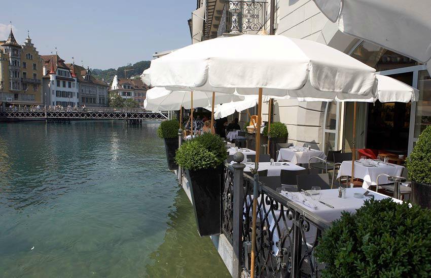 Beispiel: Terrasse am Wasser, Foto: Hotel des Balances.
