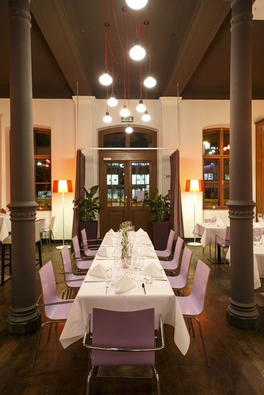 Beispiel: Hochzeitstafel, Foto: Marx Restauration.