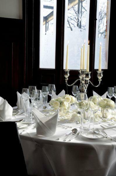 Beispiel: Hochzeitsgedeck, Foto: Sorell Hotel Zürichberg.