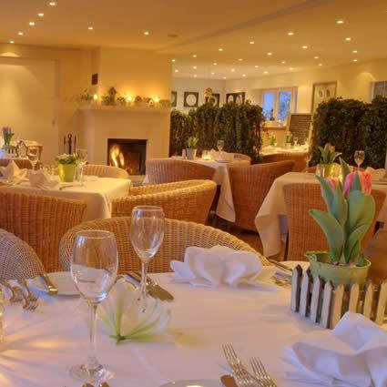 Beispiel: Restaurant, Foto: Landhaus am See.
