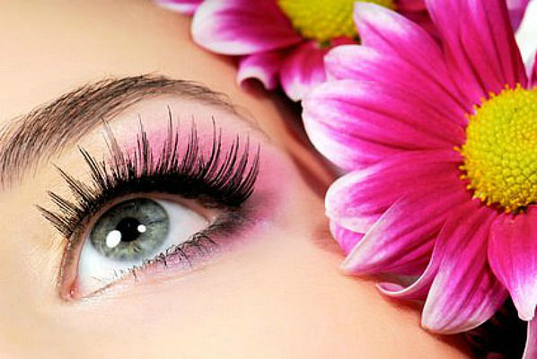 Beispiel: Make-up Artist, Foto: Professional Beauty VIP.