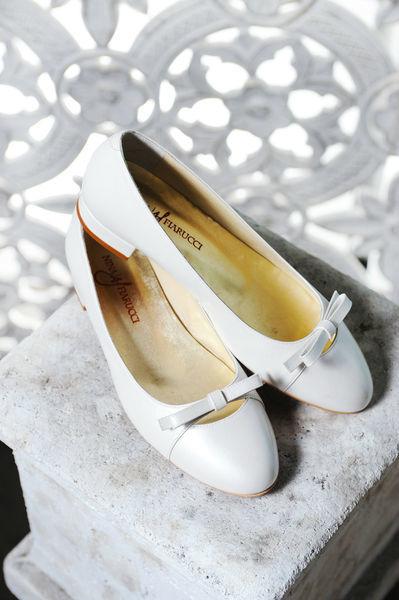 Beispiel: Bequeme Schuhe, Foto: Oprée Brautmoden Accessoires.