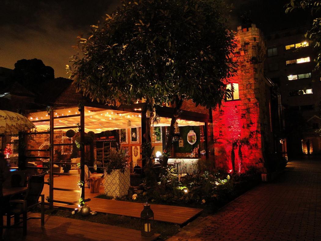 Este renovado castillo de conservación es hogar de un hotel boutique único, un especializado spa y un hermoso y aclamado bistrot francés, ubicado en la exclusividad y el silencio de El Nogal.