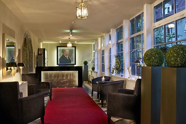 Beispiel: Rezeption, Foto: Romantik Hotel Dorotheenhof.