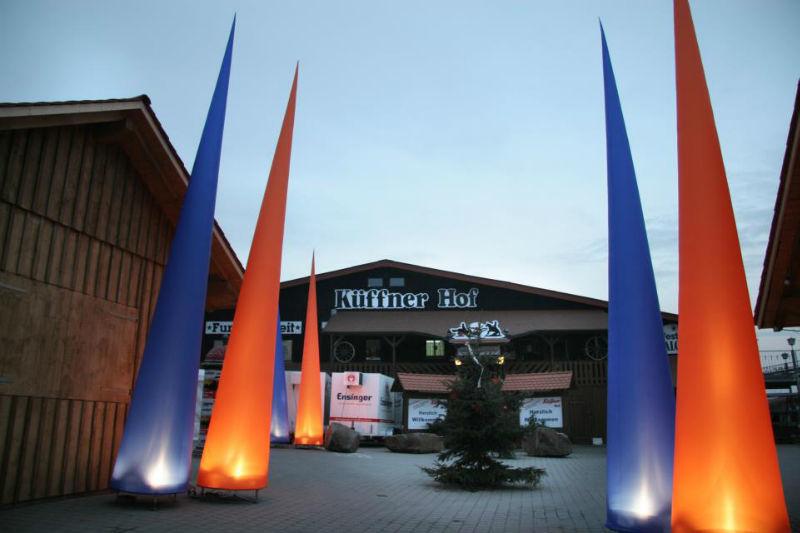 Beispiel: Außenanlage mit Lichteffekt, Foto: Küffner Hof.