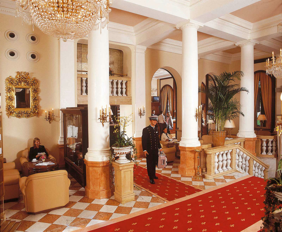 Beispiel: Lobby, Foto: Maritim Park Mannheim.