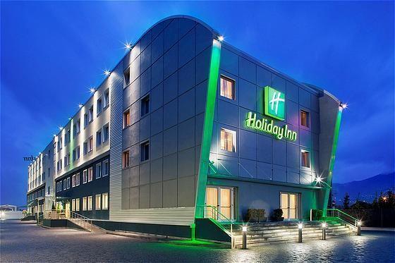 Beispiel: Außenansicht, Foto: Holiday Inn Hotels.