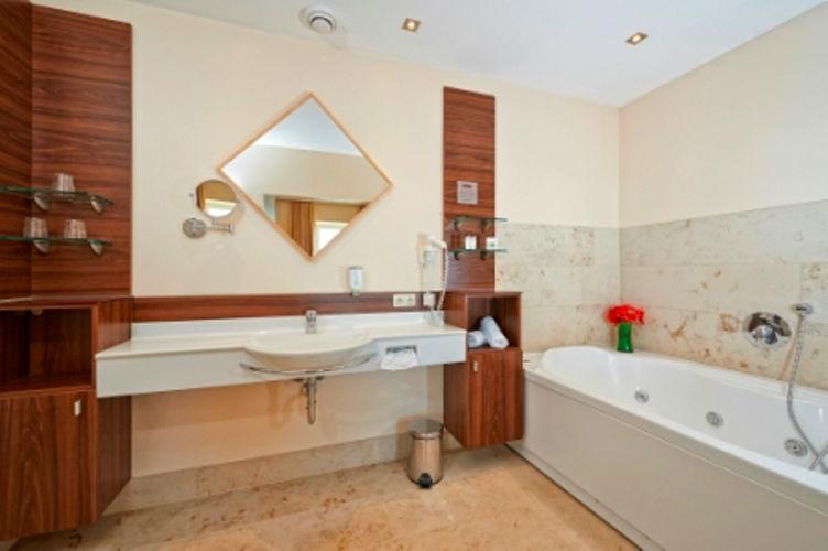 Beispiel: Badezimmer, Foto: Hotel Schachner.