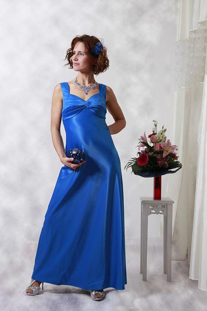 Beispiel: Festkleid, Foto: Hochzeitssalon Lysann.