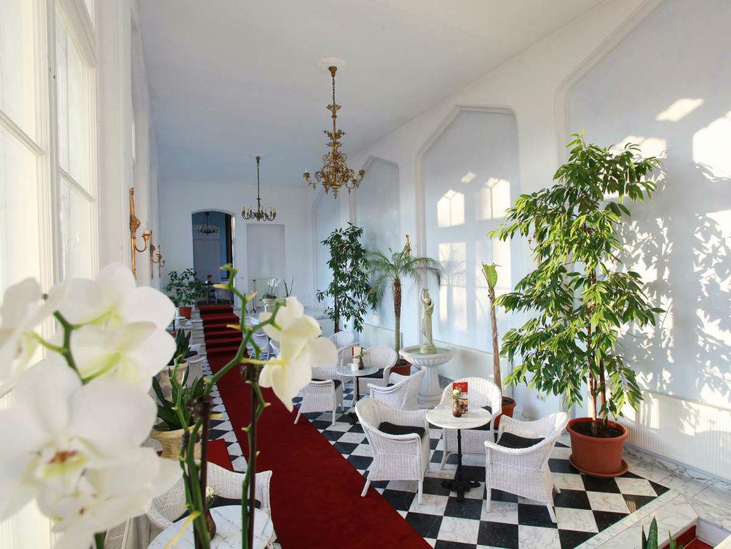 Beispiel: Café Jardin, Foto: Schloss-Hotel Kittendorf.