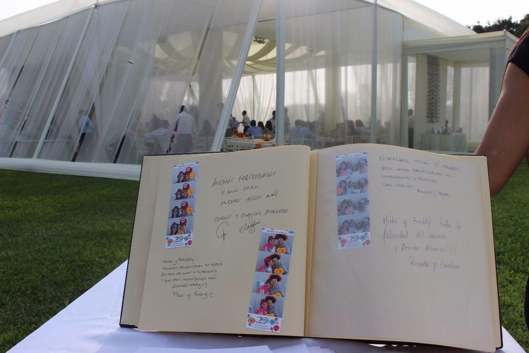 Álbum de fotos, firmas y recuerdos para poder reír, disfrutar y emocionarte con los saludos y mensajes de todos tus invitados en el día de tu boda.