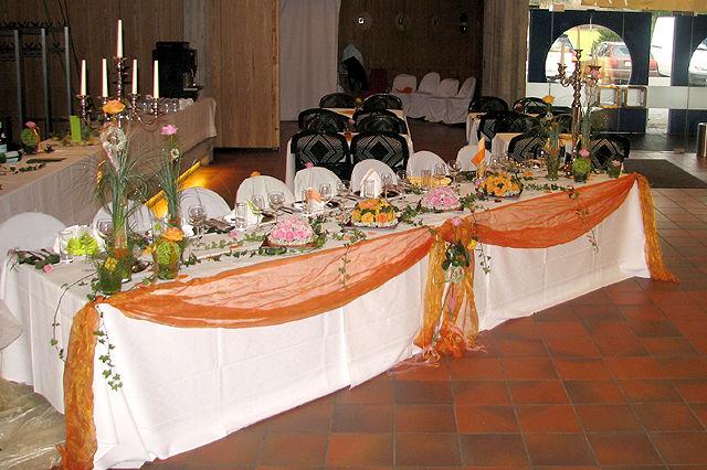Beispiel: Liebevolle Dekoration Ihrer Hochzeit, Foto: Paiser Catering.
