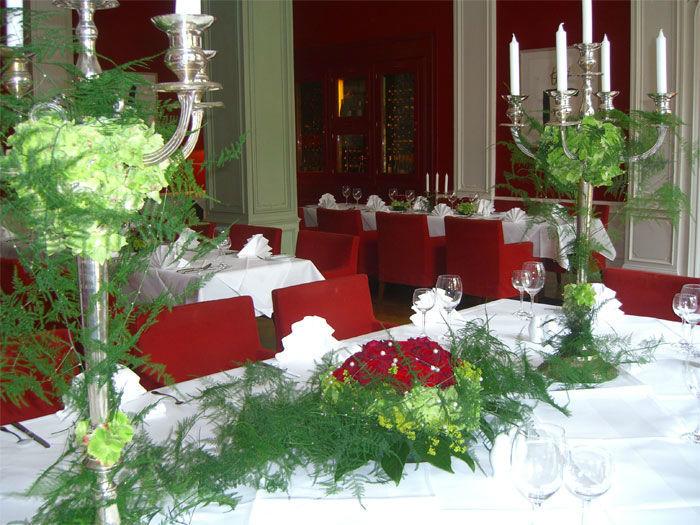 Beispiel: Dekoration für das Bankett, Foto: Floristeria.