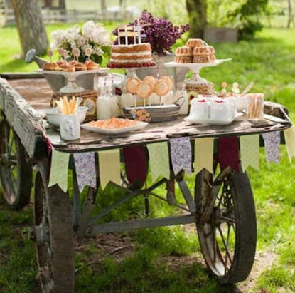 Candy BAR VINTAGE montada en carreta antigua
