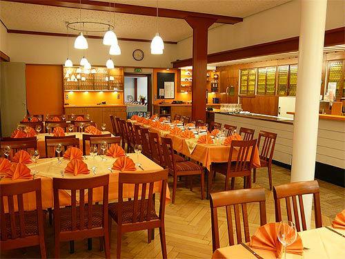 Beispiel: Tischdekoration, Foto: Sängerhalle Untertürkheim.
