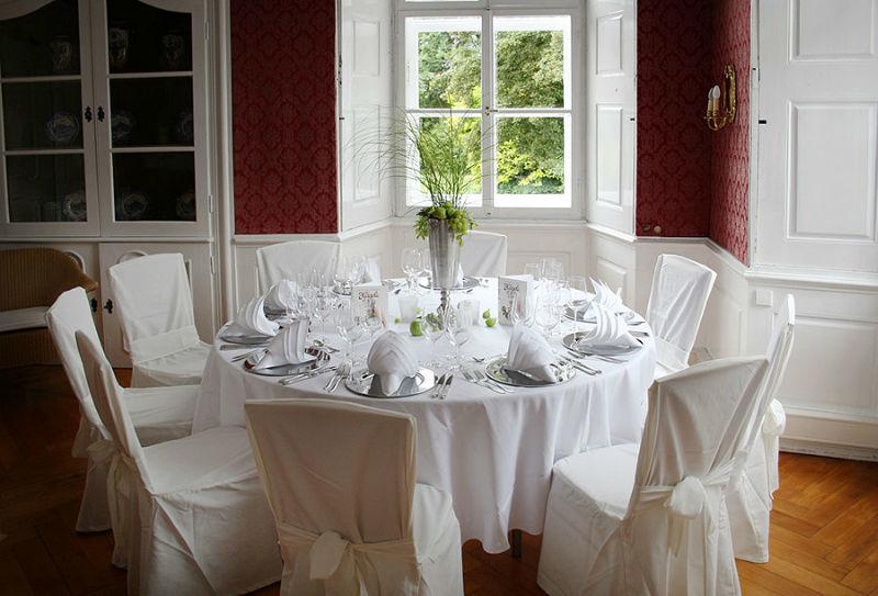 Beispiel: Hochzeitsgedeck, Foto: Schloss Assumstadt.