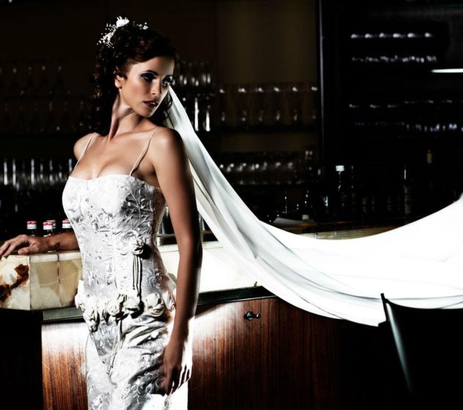 Beispiel: Hochsteckfrisuren zur Hochzeit, Foto: Nina Tatavitto - My perfect look.