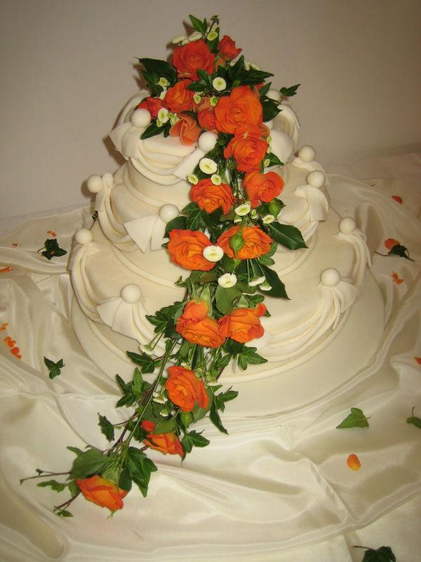 Beispiel: Zauberhafte Torten, Foto: Tortenhaus.