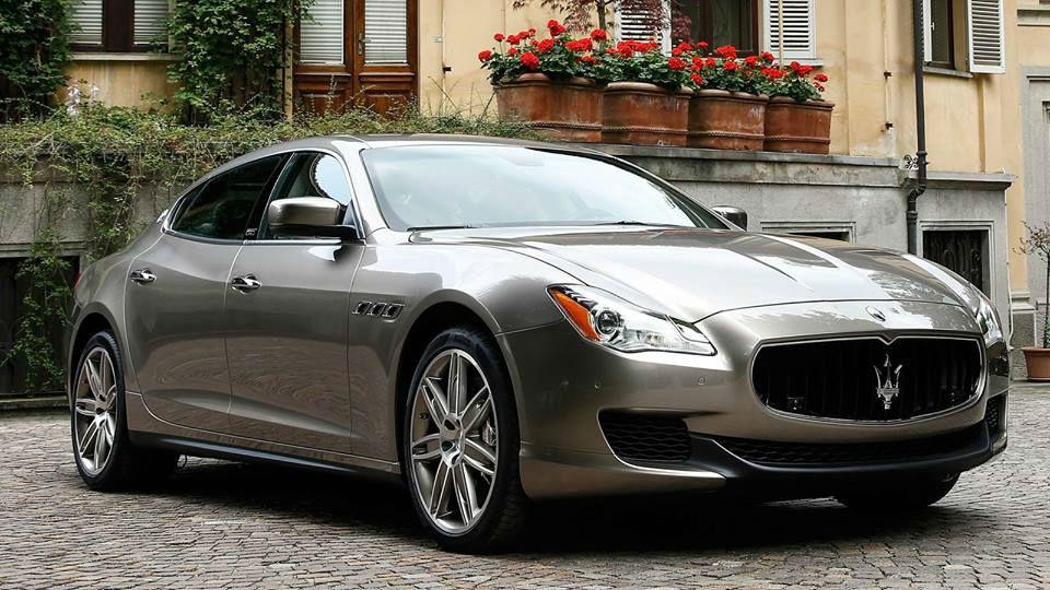 Maserati grigia