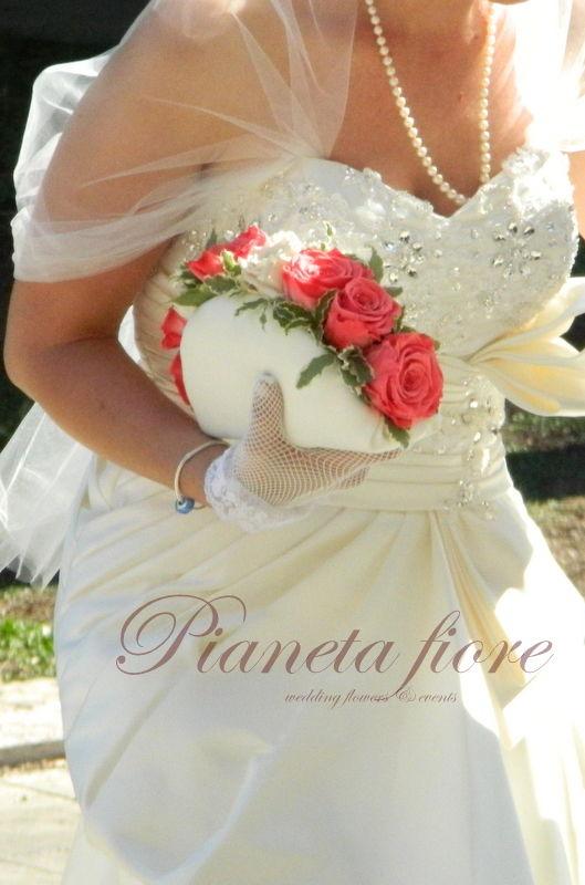 Un bouquet speciale  rose stabilizzate e pitosforo  <3 Tania