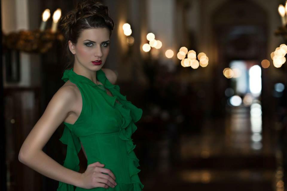 Beispiel: Elegantes Auftreten mit perfektem Make-up, Foto: Judy Stettler Make-up Artist.