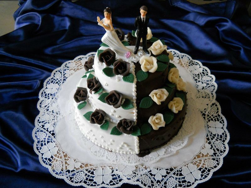Beispiel: Individuelle Hochzeitstorten, Foto: Torten Aigner.