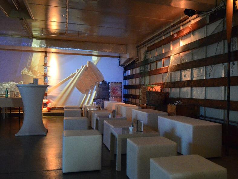 Beispiel: Luke 3 - Lounge Bereich, Foto: Cap San Diego - Hamburger Gastmahl.