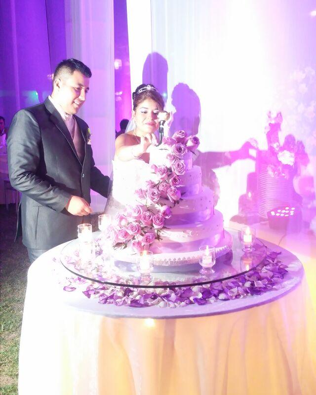 En la boda de mis novios Sherley y Deyby Locacion y Catering: #casablancadehuachipa Fotografia y Video: #eliaspalacios