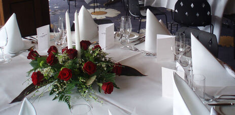 Beispiel: Tischdekoration, Foto: Hotel FloraAlpina.