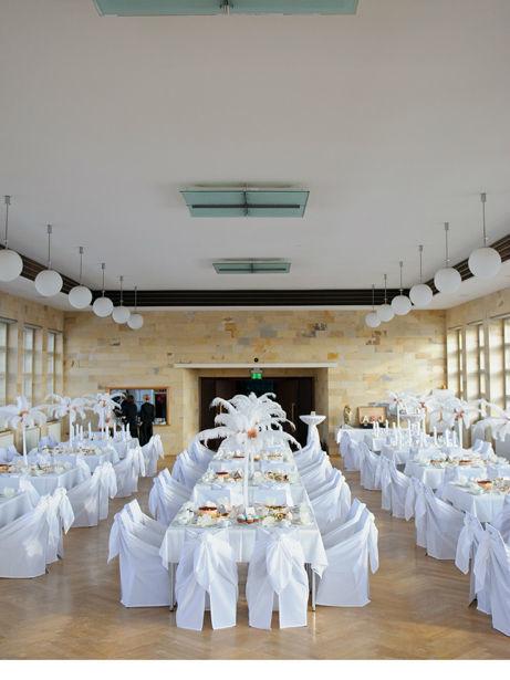 Beispiel: Tisch- und Raumdekoration, Foto: Saltoflorale.