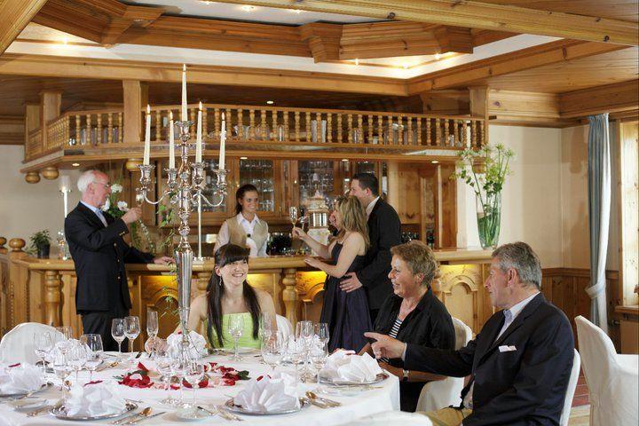 Beispiel: Feier im Restaurant: Foto: Germanenhof.
