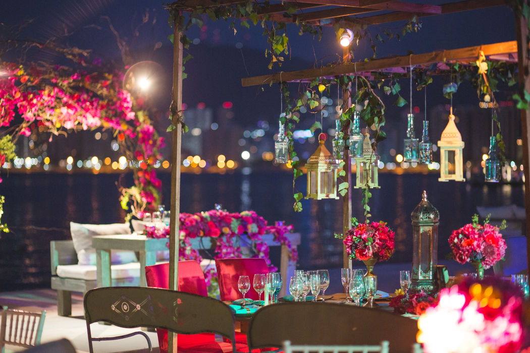 Locación: Villa Alejandra * Fotógrafo: Michaud Films  * Decoración:  Estilo Marroquí con toques vintage  * Banquete y Decoración: Banquetes Larekhi