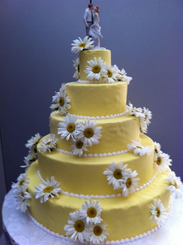 Pâtisserie Gilg : Wedding Cake champêtre, décor de marguerites